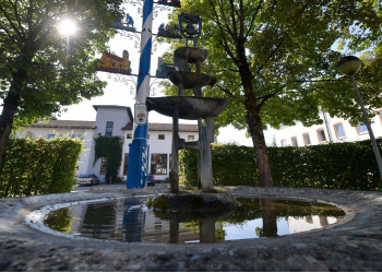 Brunnen am Maibaum in Höhenkirchen
